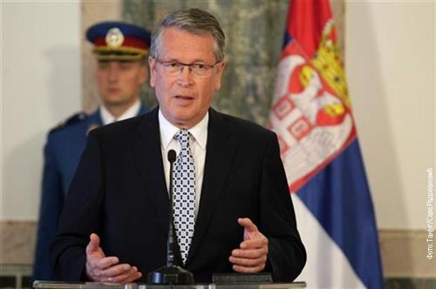 Čepurin: Ispred Vučića natpis - Srbija, ispred Tačija - Tači