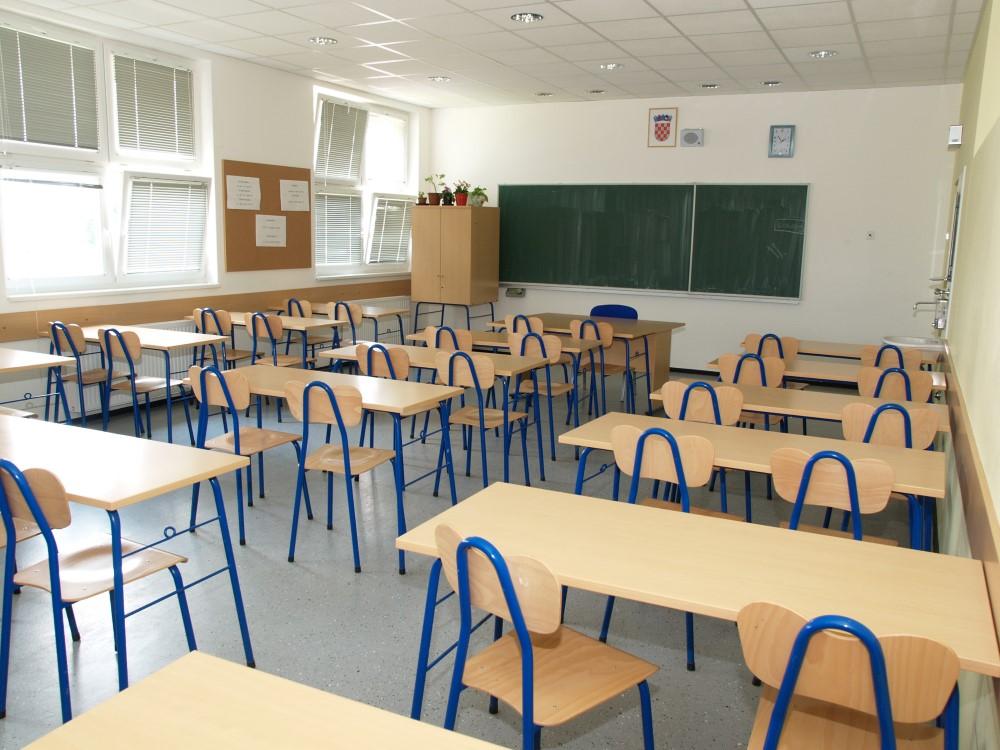 Produžen školski raspust