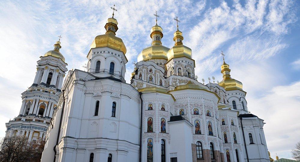 Ukrajinski mitropolit: Porošenko je progonitelj crkve