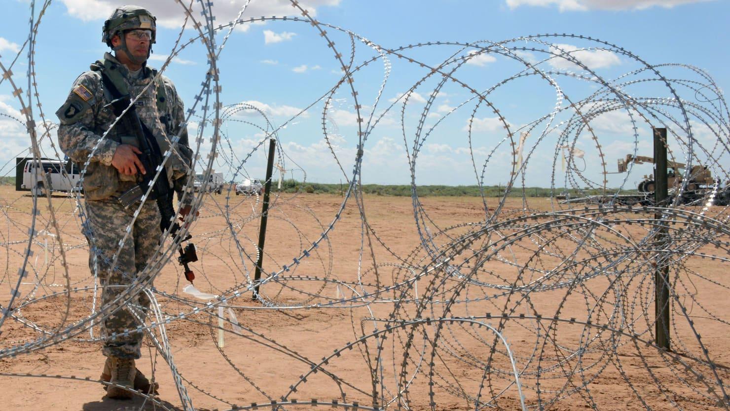 Amerikanci bodljikavom žicom protiv migranata