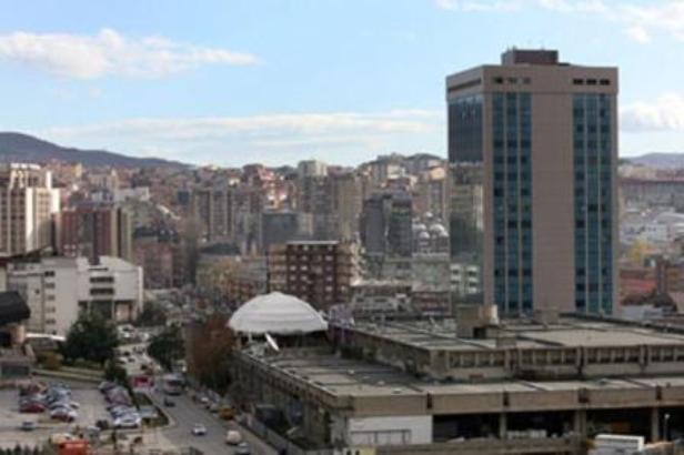 Američka ambasada: Takse da se suspenduju