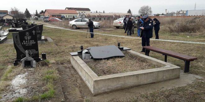 Porušeni spomenici na pravoslavnom groblju u Lipljanu