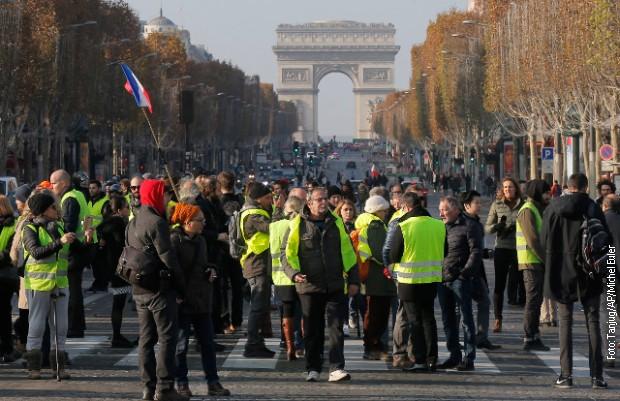 Francuska: I danas blokade puteva zbog visokih cena goriva