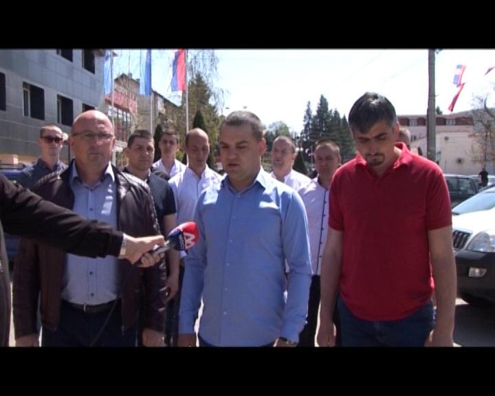 Srbi sa KiM:Državotvorna politika predsednika Srbije , jedina je kojoj verujemo