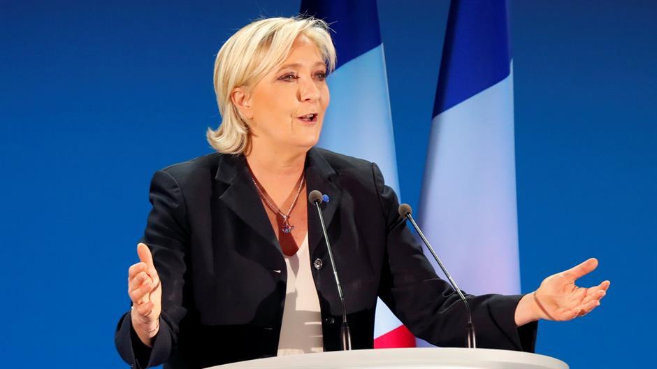 Marin le Pen: Makron u zaletu, uzmiče da bi bolje skočio