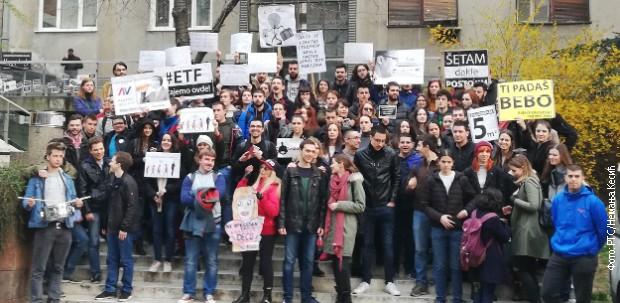 Protest studenata ispred zgrade RTS-a
