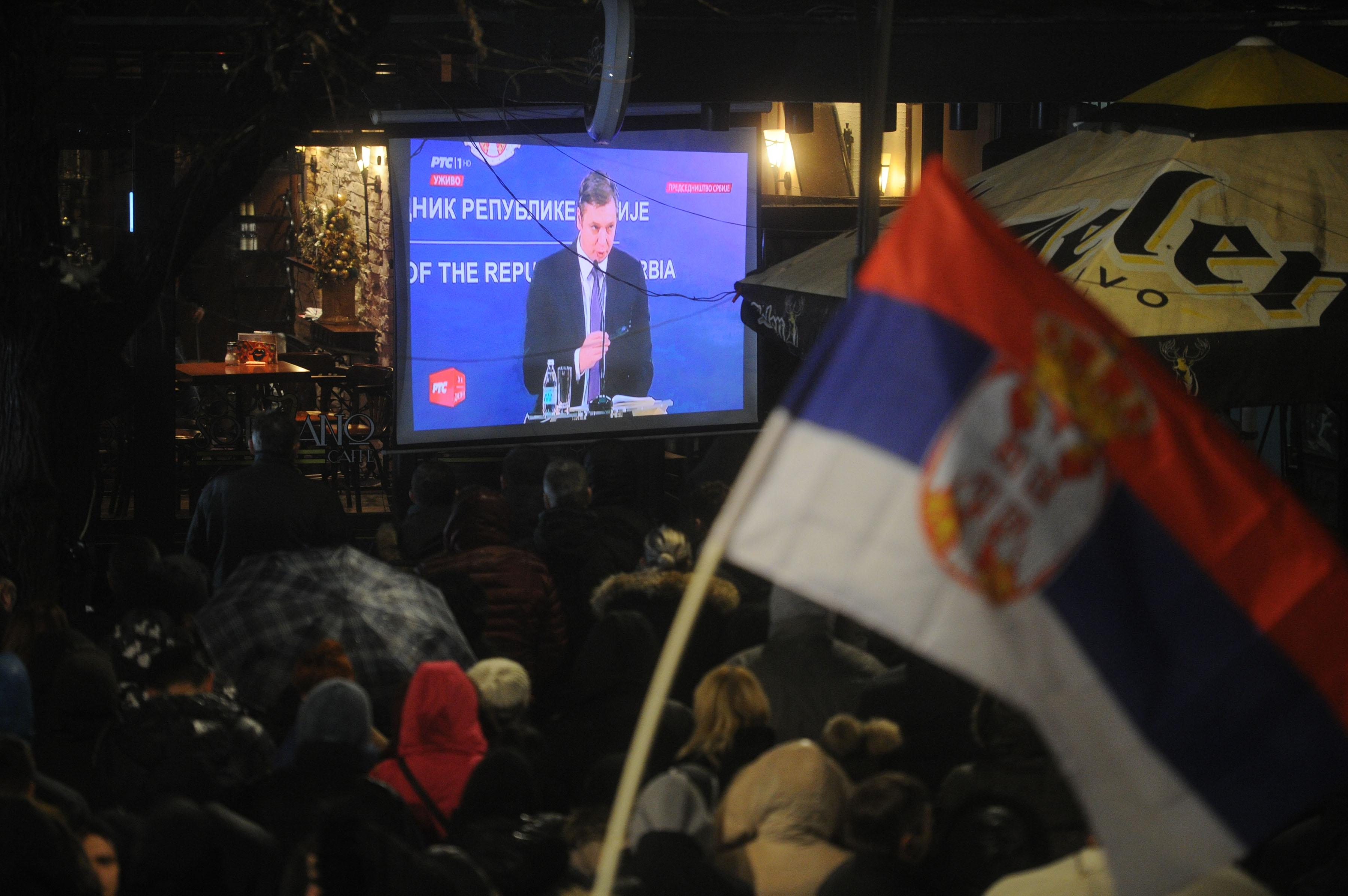 Rakić: Hvala Vučiću, čekali smo 20 godina da neko podmetne leđa za srpski narod! (video)