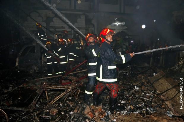 Veliki požar u Daki, desetine mrtvih