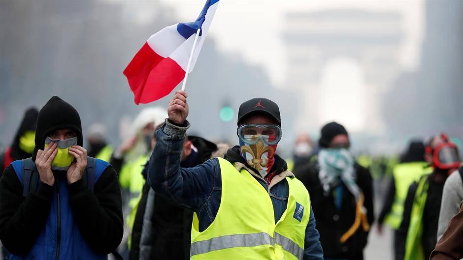 Policija zabranila skupove na više lokacija u Parizu