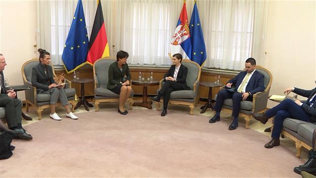 Brnabić s nemačkom ministarkom o saradnji Vojvodine i Hesena