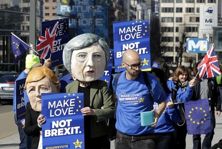 Demonstracije u Londonu, traži se novi referendum o Bregzitu