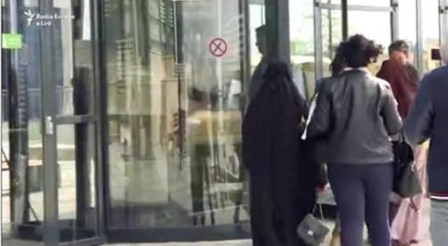 Priština: Sud zatražio meru jednomesečnog kućnog pritvora za 27 žena