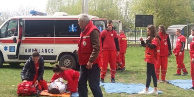 Volonteri Crvenog krsta Gračanica uspešno izveli akciju evakuacije u slučaju zemljotresa