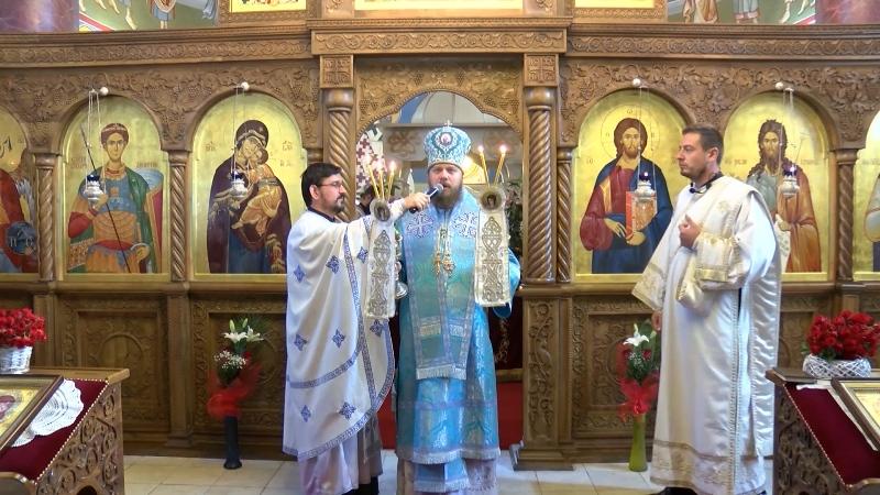 U hram Svetog Dimitrija u Kosovskoj Mitrovici stigla ikona Presvete Bogorodice Portaitise