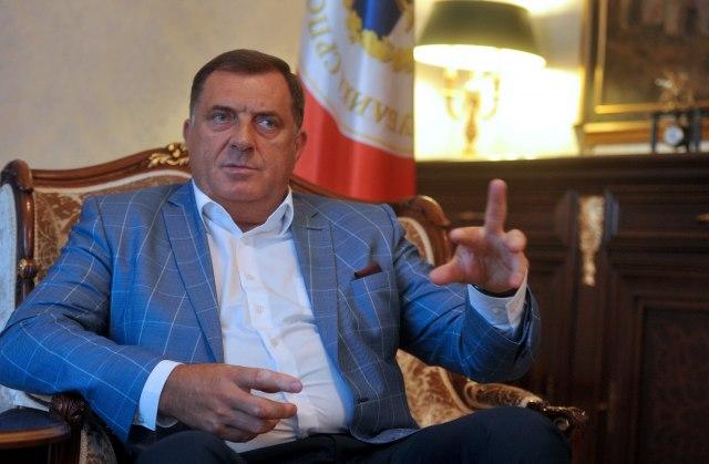 Dodik: Izetbegović da se vodi zvaničnom politikom prema KiM