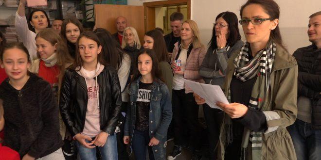 Učenici iz Novog Sada u poseti Gračanici (video)