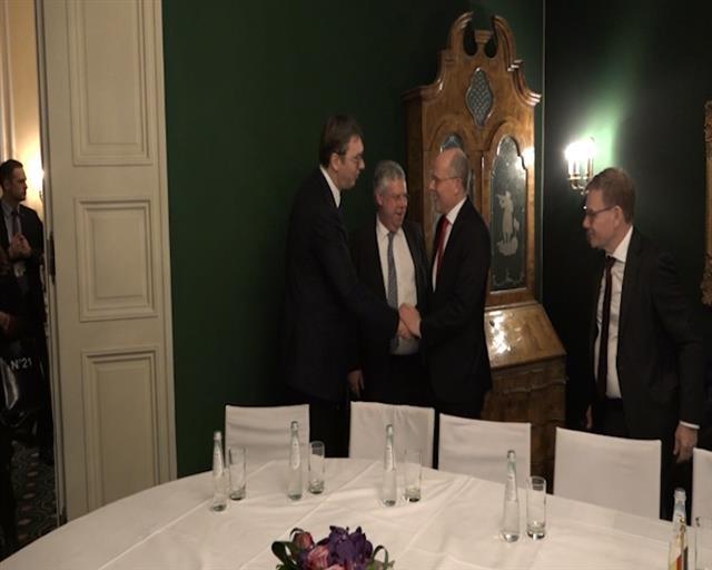 Vučić sa svetskim zvaničnicima u Minhenu, zahvalnost Merkelovoj na podršci