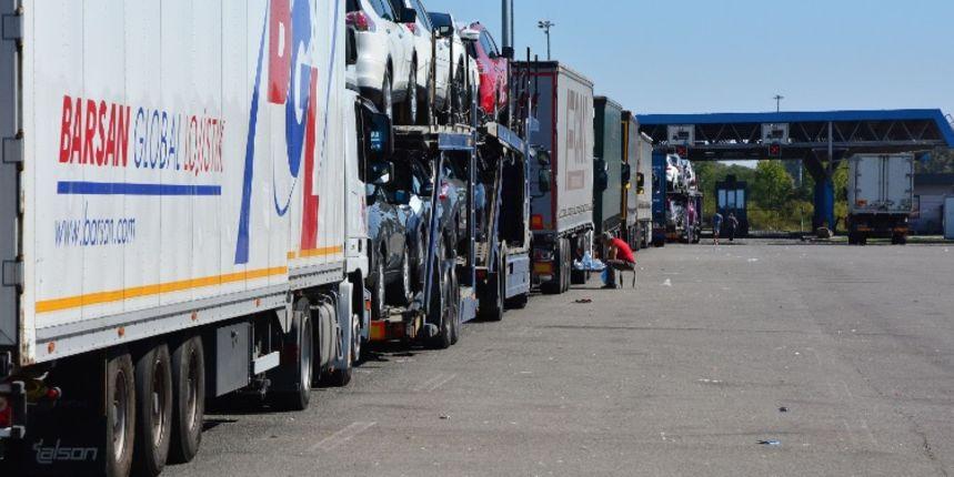 Teretnjaci na graničnim prelazima čekaju od 3 do 14 sati