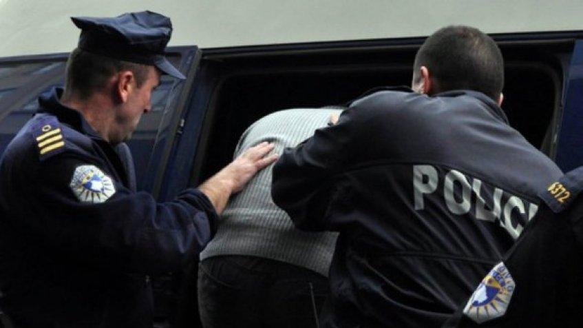 Uhapšene četiri osobe u Prizrenu, zaplenjeno oružje