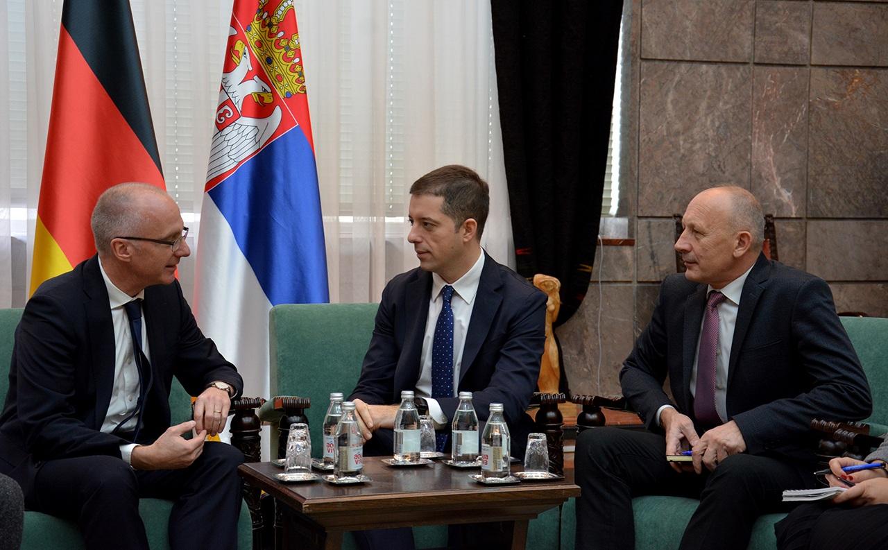 Đurić:Formiranje tzv. kosovske vojske je najdirektniji napad na regionalni mir i stabilnost