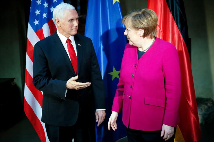 Merkel branila sporazuma sa Iranom, Pens: Ugrožavate SAD
