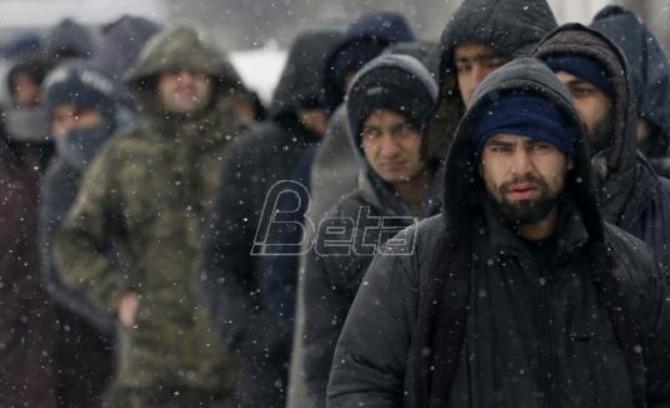 AP: Hladnoća nova prepreka za migrante na granici BiH i HR