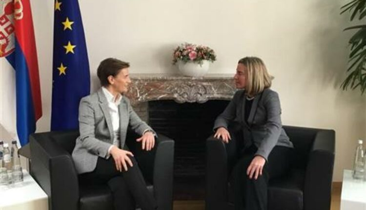 Mogerini i Brnabić: Srbija može još brže da napreduje ka EU