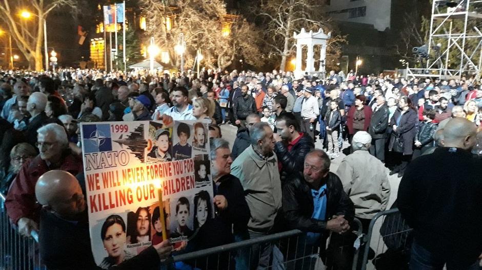 Srbija ne da da je slome, Srbiju ne mogu da pobede!