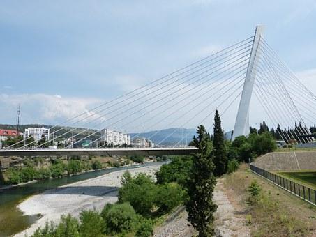 Vijesti: Ruski biznismen gradi heliodrom u Crnoj Gori