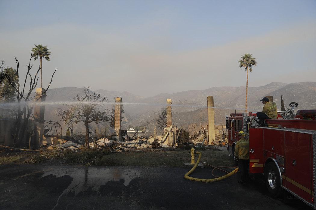 Kalifornija: 56 mrtvih, 300 nestalih