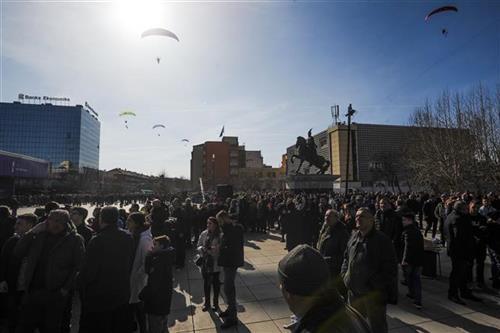 Tanjug u Prištini: Više pompe nego euforije