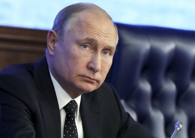 """AP: Srbija Putinu priprema """"doček za heroja"""""""