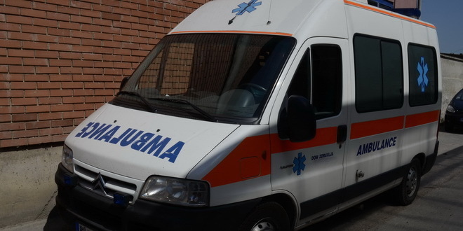 Voz udario automobil na pruzi kod Kraljeva, poginuo muškarac