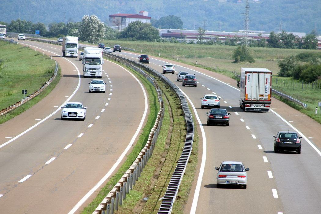 AMSS: Umeren saobraćaj, bez zastoja i zadržavanja