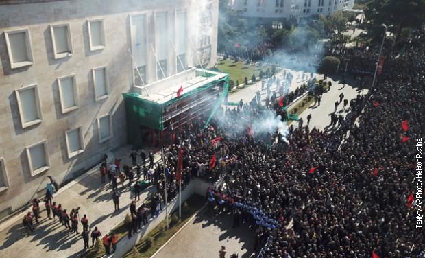 Albanska opozicija: Bacićemo Edija Ramu u reku