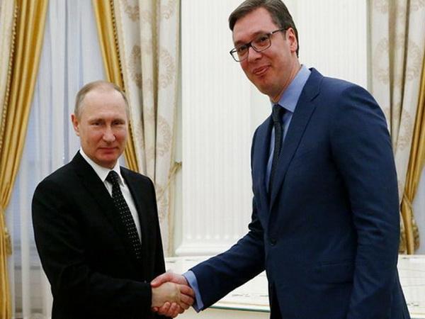 Putin s Vučićem: Pratimo situaciju oko Kosova i Metohije, podržaćemo Srbiju
